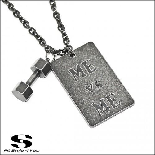 Колие от неръждаема стомана Гира, Плочка 'Me VS Me'